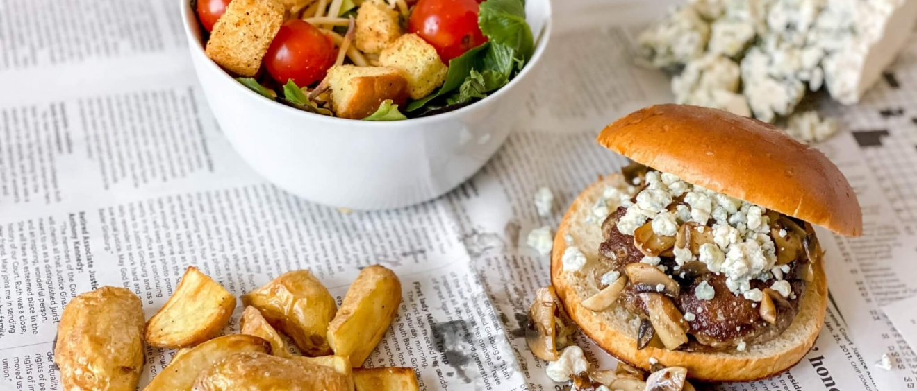 Blue cheese burger - Freedom a la Cart Meal Kit Recipe